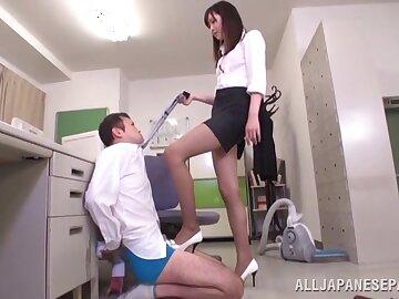 Unconventional Asian tot Hibiki Ohtsuki pleasures a dude with her feet