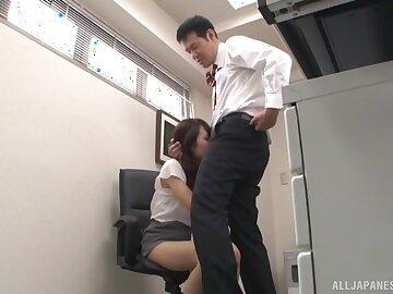 Kinky Japanese secretary Imai Mayumi knows setting aside how to suck a stiff dick
